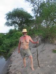 El abuelo en la costa