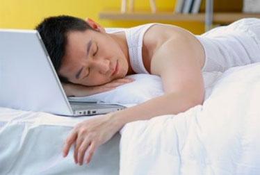 Uma noite na frente do PC pode atrapalha o sono