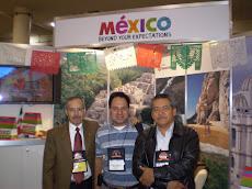 Junto a los amigos de México