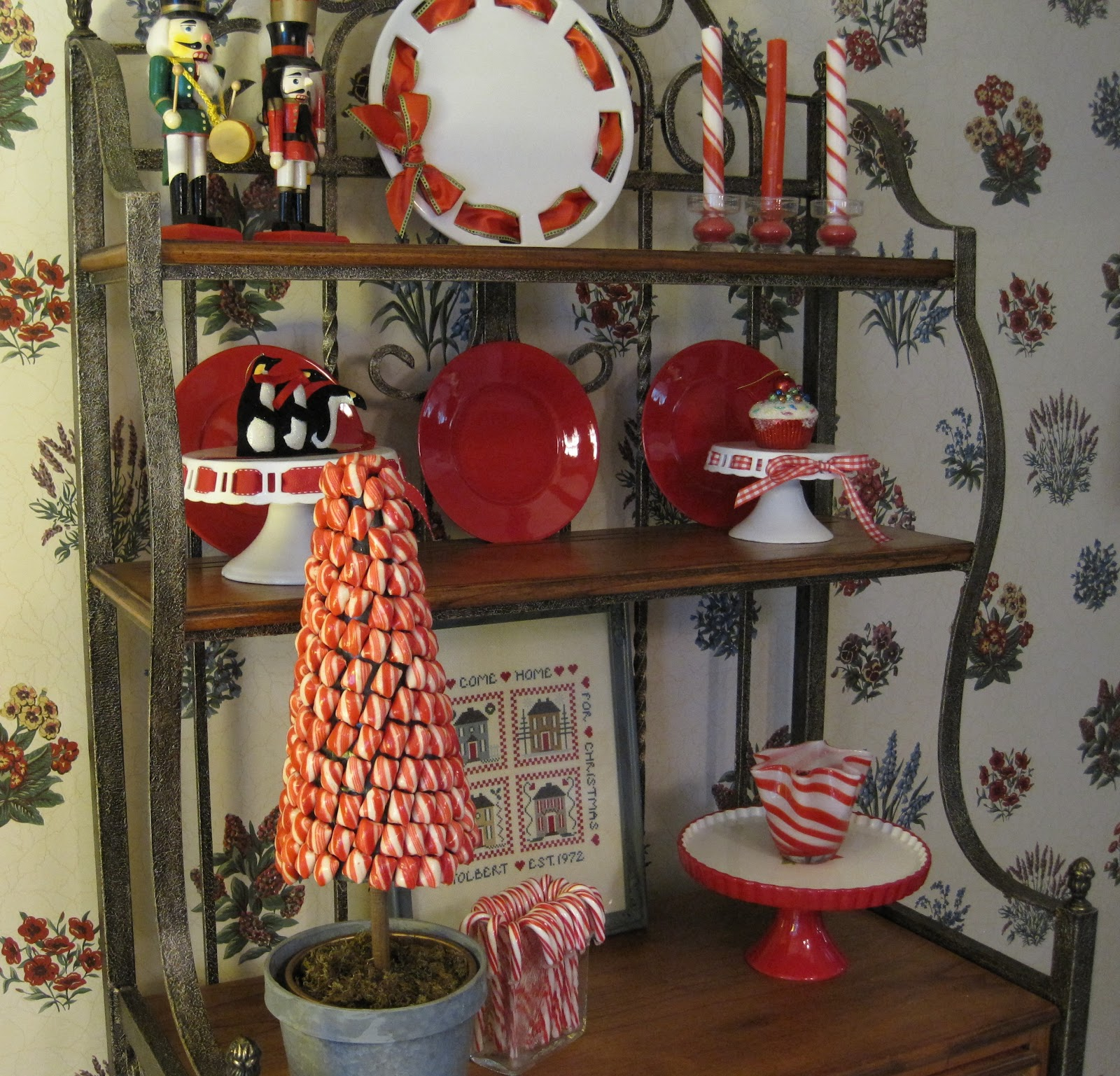 Pier One Bakers Rack: The Dull And The Dutiful: Dansk Winterfest