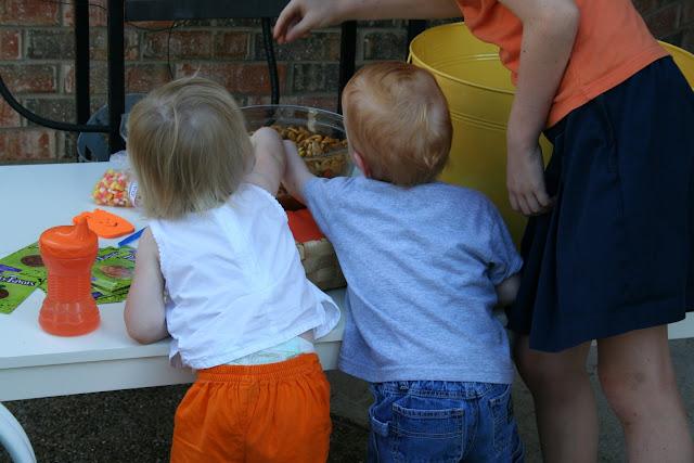 pumpkin decorating party