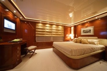 luxury yacht rent