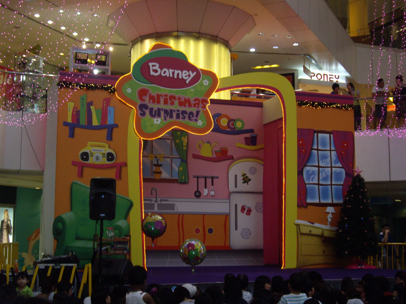 Somewhere In Singapore Blog: Barney Christmas Surprise