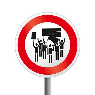 Os sinais de proibição mais bizarros 32