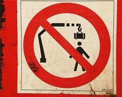 Os sinais de proibição mais bizarros 16