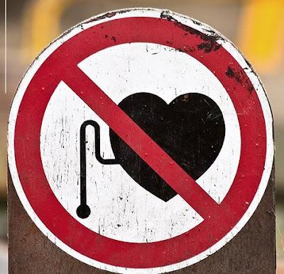 Os sinais de proibição mais bizarros 15