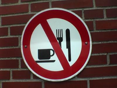 Os sinais de proibição mais bizarros 10