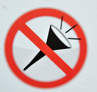 Os sinais de proibição mais bizarros 2