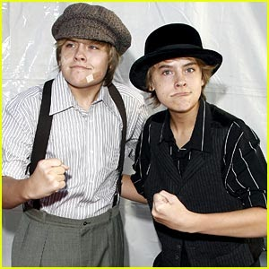 * FOREVER - FANS *: Dylan y Cole Sprouse en Halloween Dream!!!
