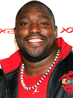 Super Bowl time: Warren Sapp arrested; hot high car spotted
