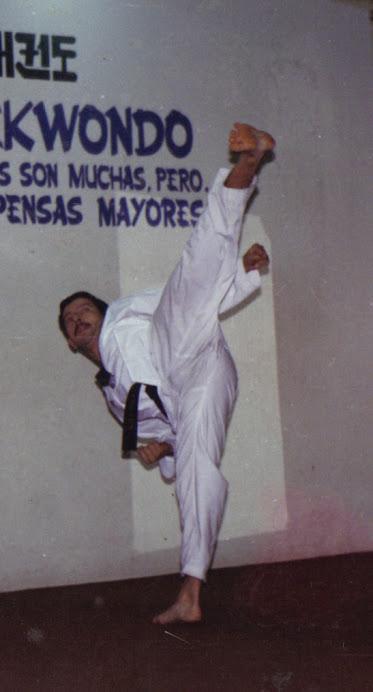 MAESTRO FERNANDO MUÑOZ