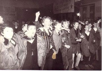 Público en un concierto de los DEXTRIN, 1981