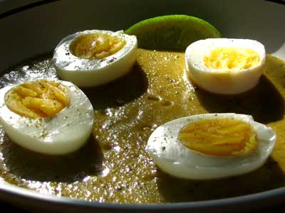 Eggs in a Vegetable Mulligatawny Sauce