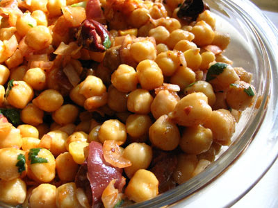 Middle Eastern Chickpea and Olive Salad