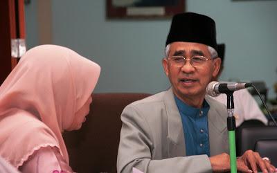 Dua pakar universiti perguruan lawat Mahad Islam Brunei