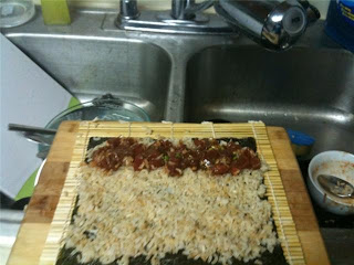 Spicy tuna sushi salmonatseven.com.