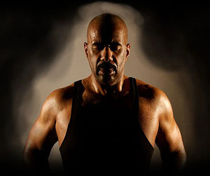 Steve Harvey's new look (Continued)  Now a balled Steve shows of his new  body   rocks a black tank top d5b096c4b0ac