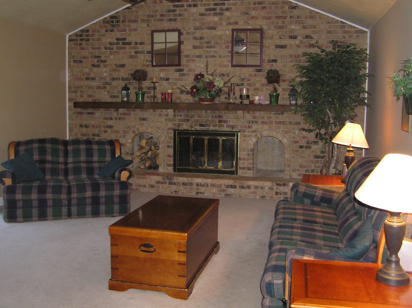 Four In Tow: Help With My Full Brick Wall Fireplace!
