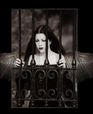 gothic jail angel - leylden yeni avatar ar�ivi ;)