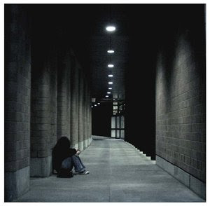 Alone by NOTspecific - leylden yeni avatar ar�ivi ;)