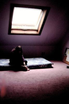 that feeling of alone  by akashamorgan - leylden yeni avatar ar�ivi ;)