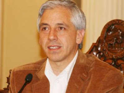 Tomas Bradanovic: diciembre 2010