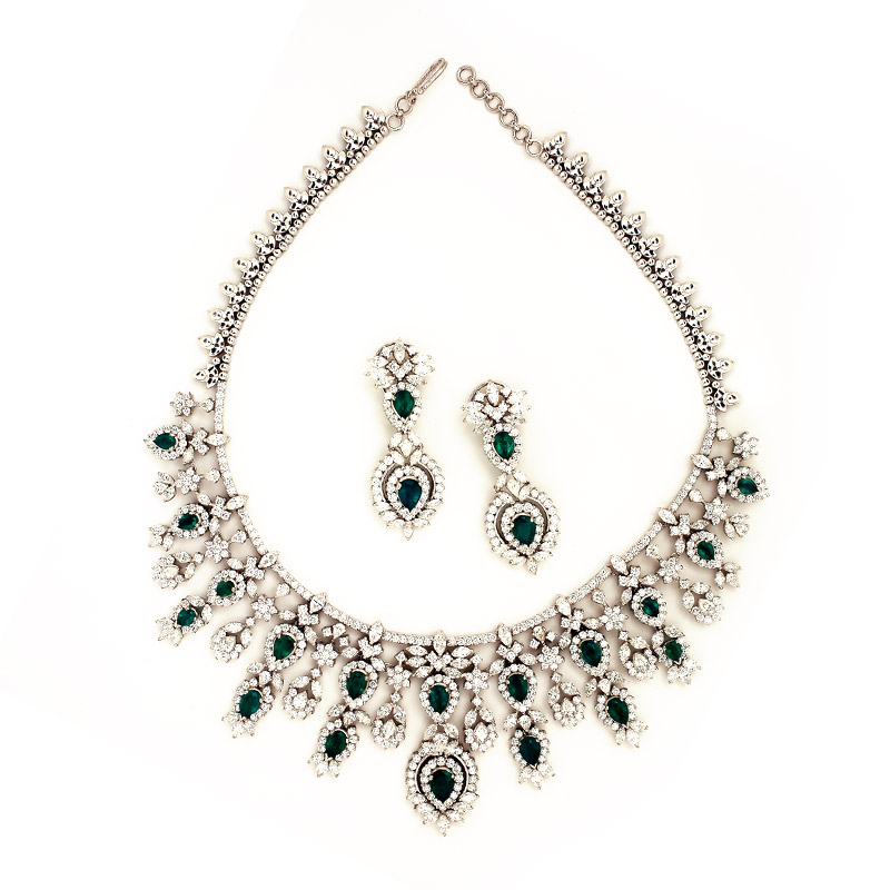 Diamond Necklace With Emralds From Grt Jewellery Jewellery Designs