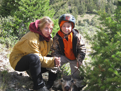 Julia Wilkins and son, Quin, from The 鸡舍陶器Blog