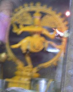 http://1.bp.blogspot.com/_QDfDJ1nb8qw/R9tuqD_XW-I/AAAAAAAAABQ/wgcpC5s9VR4/s320/Nata-Chandanam.JPG