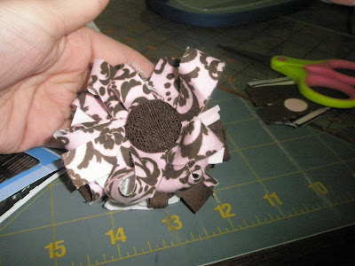 Selvage Edge Scraps Spike Fabric Flower craft idea tutorial brown and pink hair bow green
