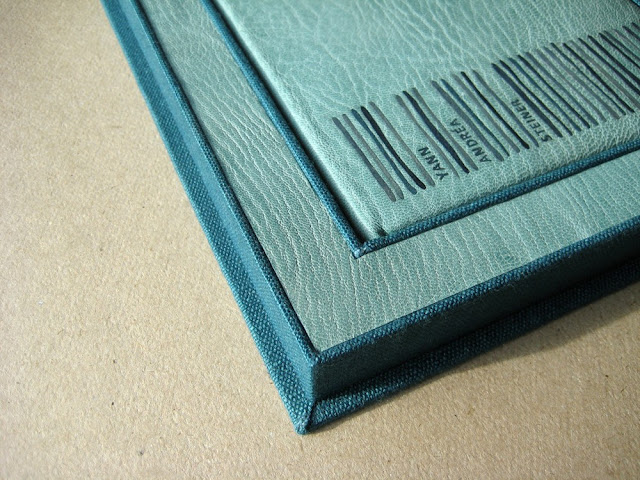 full leather binding of Yann Andréa Steiner by Marguerite Duras, bound by Kaija Rantakari / paperiaarre.com