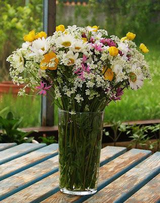 joyeux anniversaire lavinia des fleurs pour mes copines enila27 blog r gime. Black Bedroom Furniture Sets. Home Design Ideas