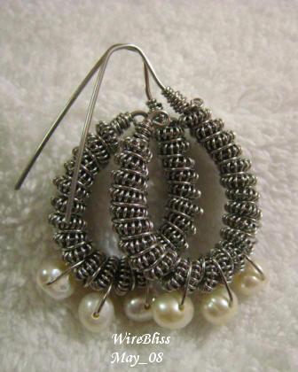 [Wire+Coil+Earrings.JPG]