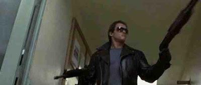 Arnold poniendo la X en fines sociales