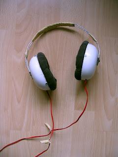 kotitekoiset kuulokkeet