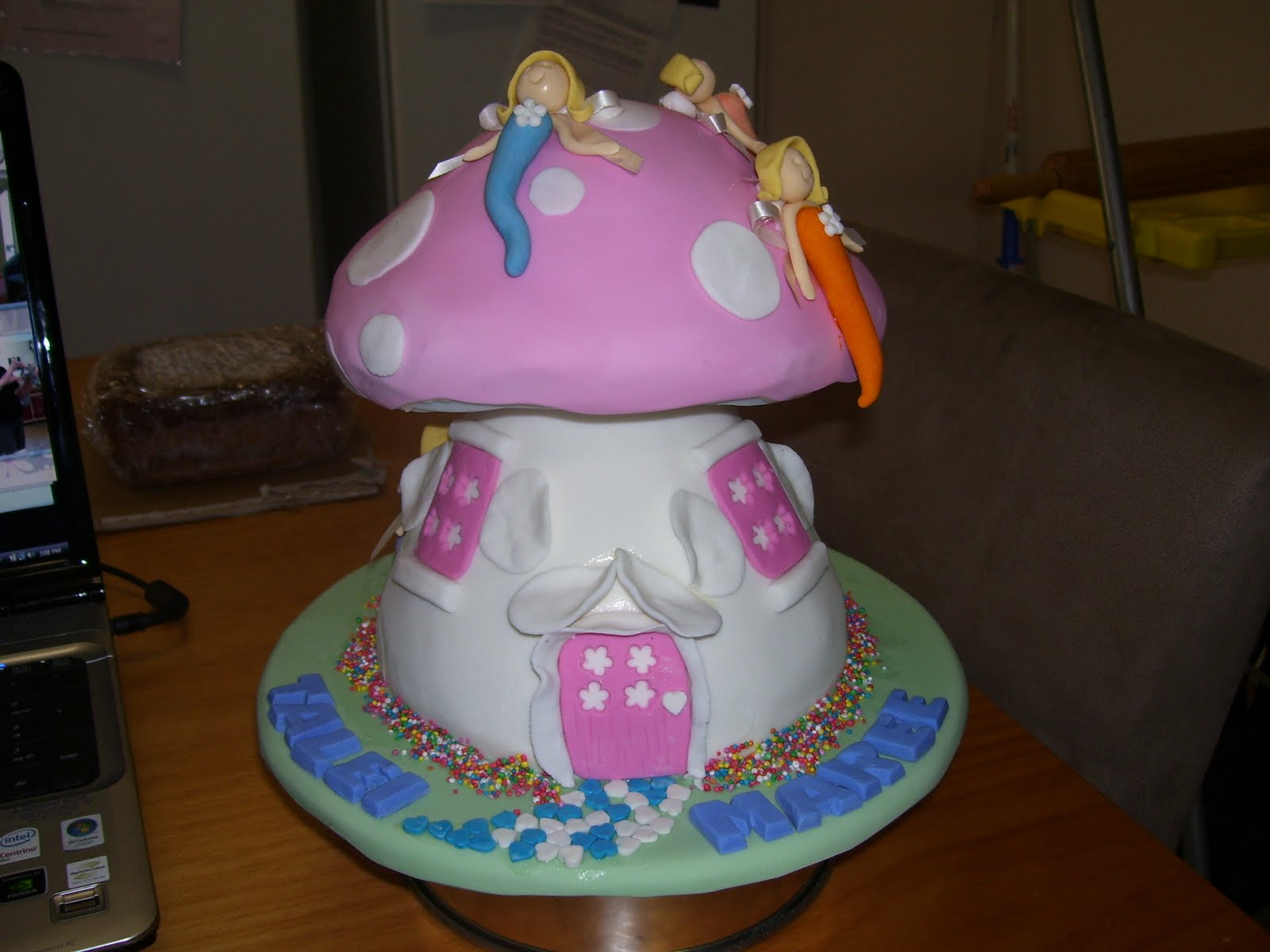 2cute2cut Com Fairy Mushroom House Cake