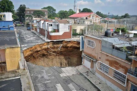 Vista de agujero gigante desde esquina