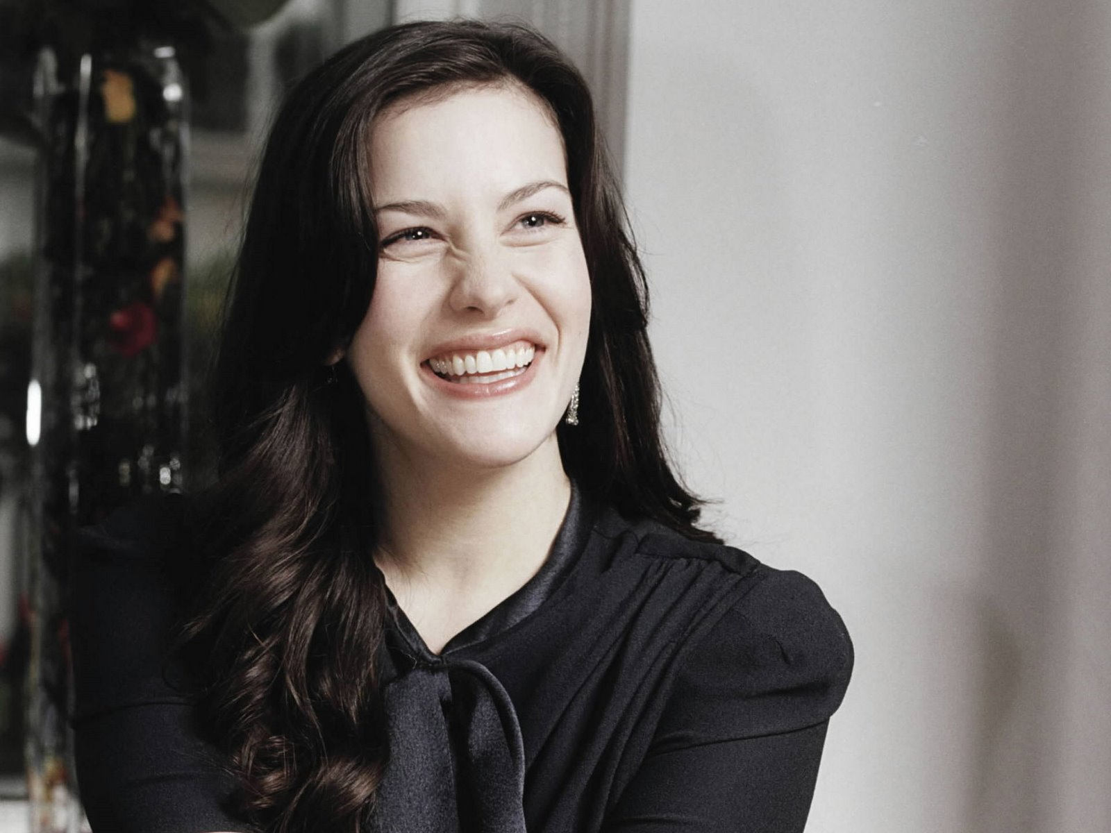 Liv Tyler Hot And Spicy Wallpapers Bikinisexyphotoshoot -7627
