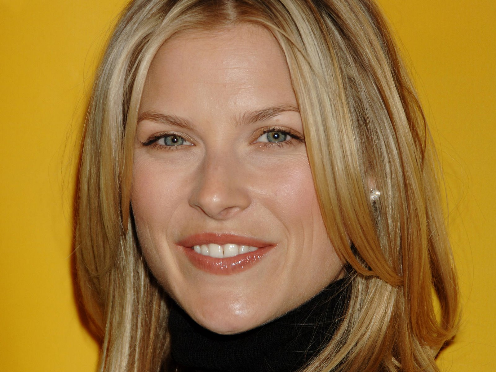 70+ Hot Pictures Of Ali Larter Will Take You To The Final