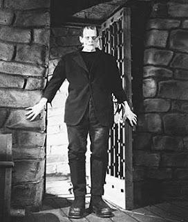 Boris Karloff como en monstruo de Frankenstein