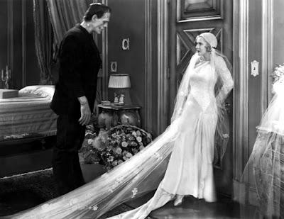Mae Clarke y Boris Karloff en una secuencia de Frankenstein.