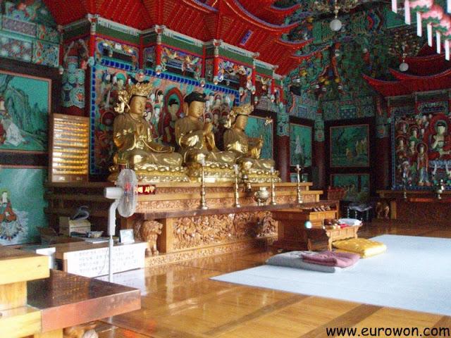 Buda y bodisatvas en Corea del Sur
