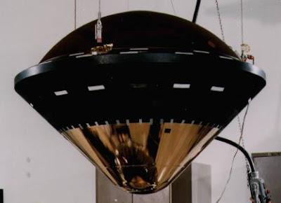 sonda Galileo en su ensamblaje final, de forma cónico-esférica, una de las configuraciones más frecuentemente utilizadas