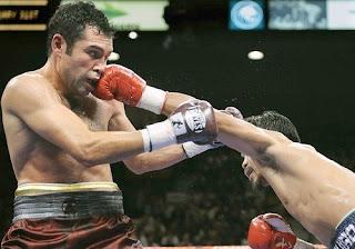 De La Hoya Is Pacquiao S Human Punching Bag