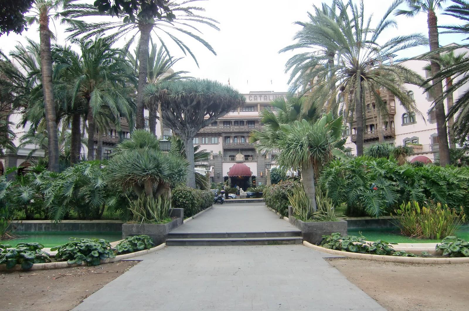 Black and white photography hotel santa catalina las for Hotel ciudad jardin
