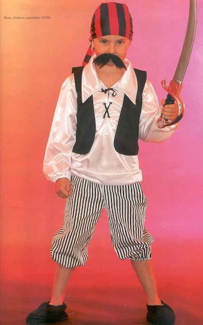 Disfraz de pirata para niños con patrones
