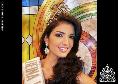 Biografia de Adriana Vasini - Asociación de Belleza 245