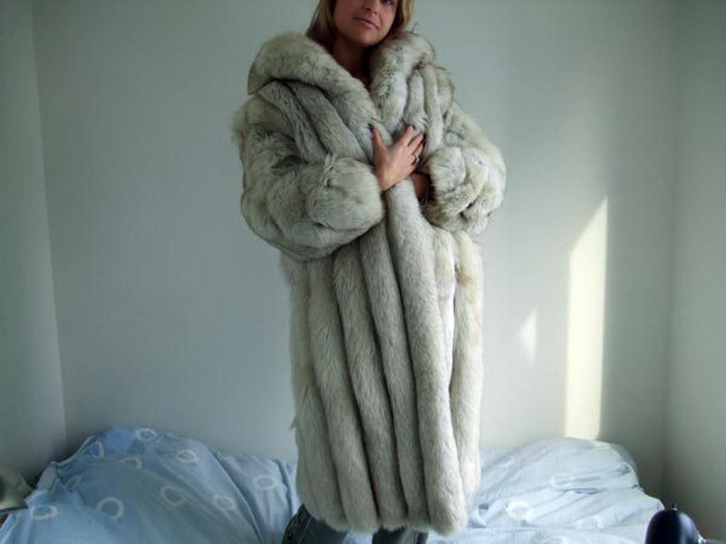 Lafourrure2 Blue Fox Coat