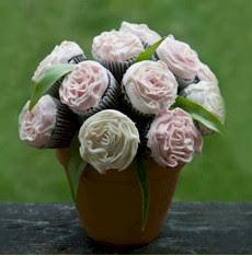 Couture Cupcakes --- Flour Power! from laptop-bride.blogspot.com