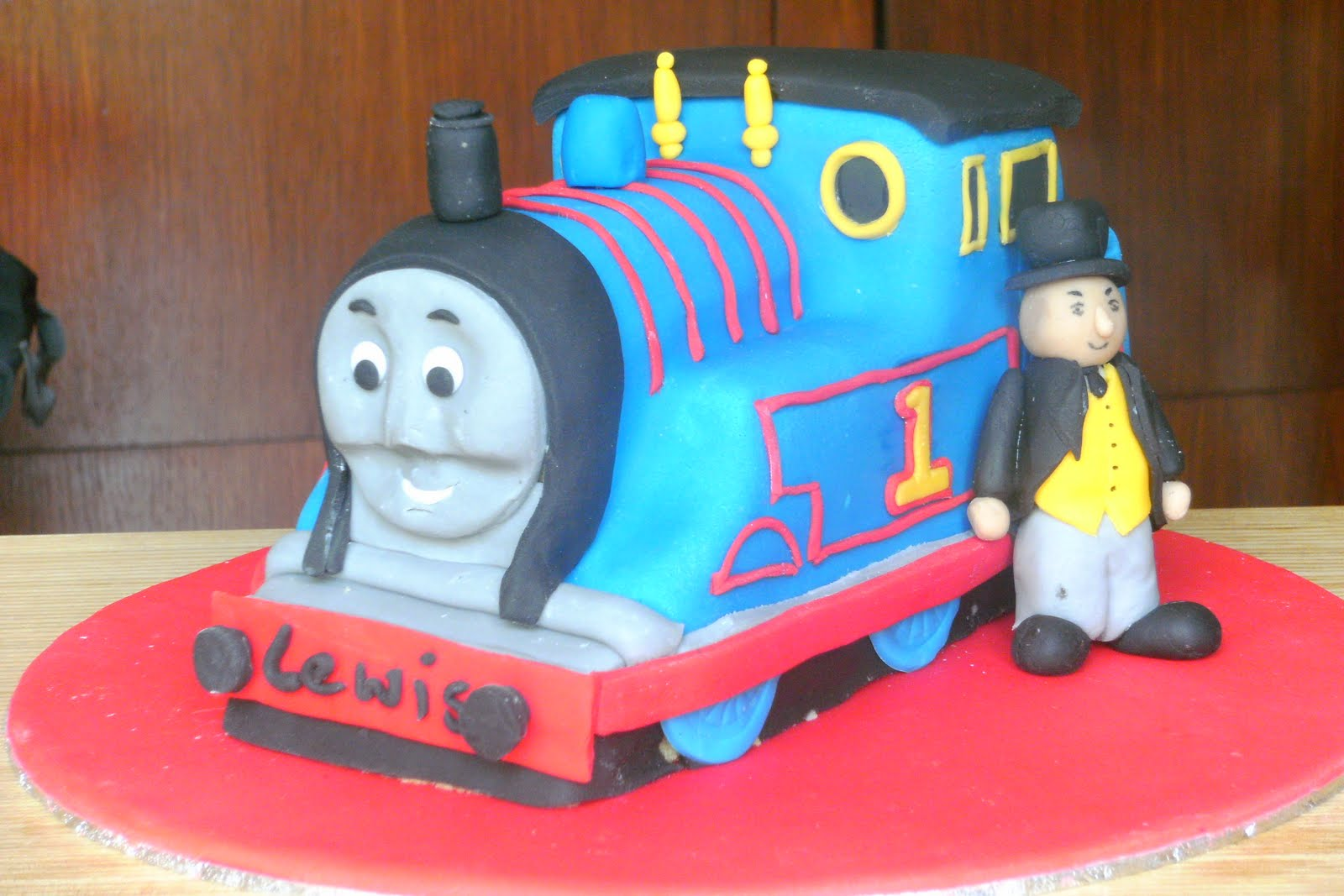 Thomas The Tank Engine Cake - Buy Online, Free UK Delivery ...